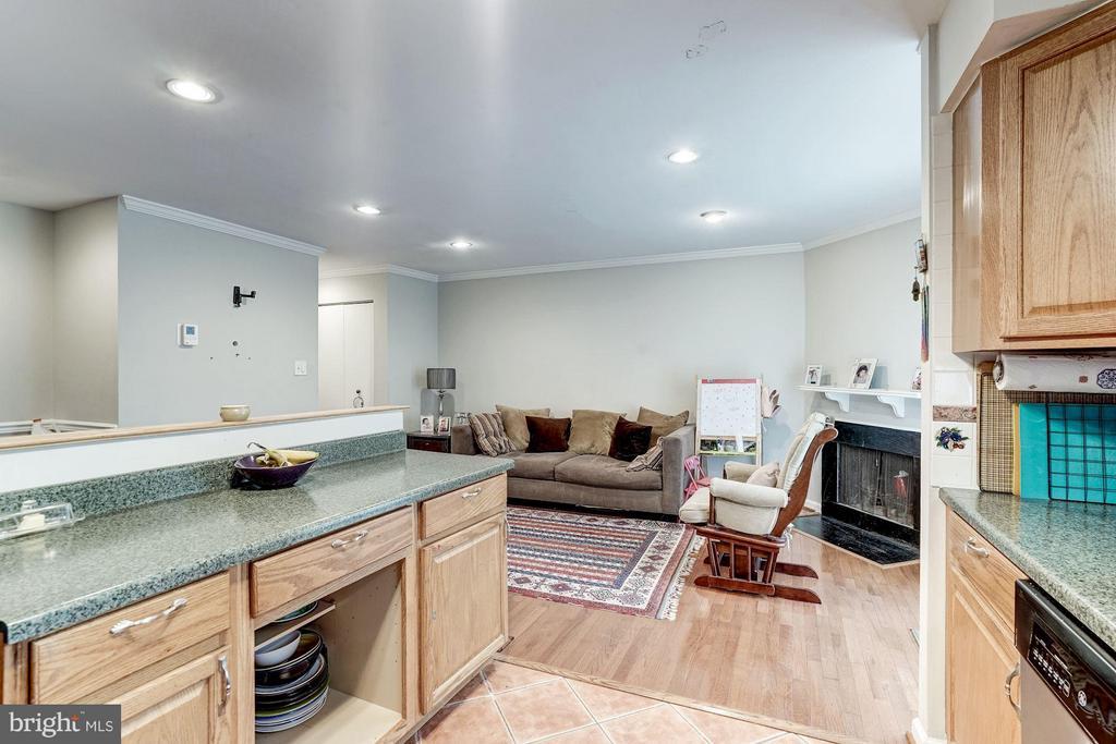 Kitchen Open To Family Room - 1814 N GEORGE MASON DR, ARLINGTON