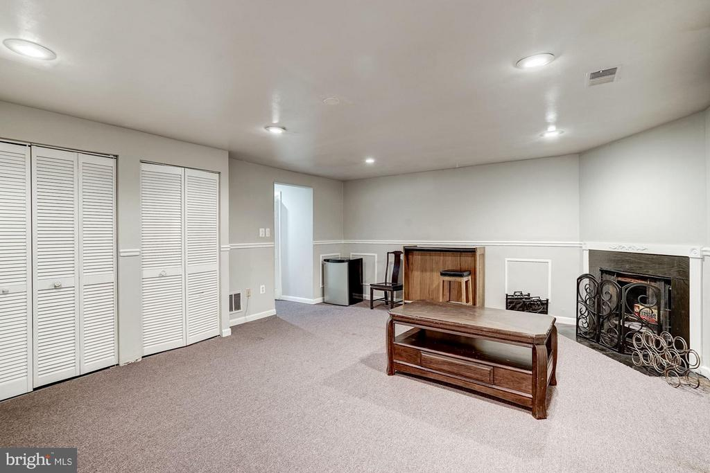 Rec Room with Second Fireplace - 1814 N GEORGE MASON DR, ARLINGTON