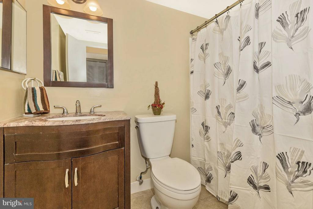 Hall Full Bathw/ Ceramic Tile, New Vanity/Toilet - 9904 WALKER HOUSE RD #4, GAITHERSBURG