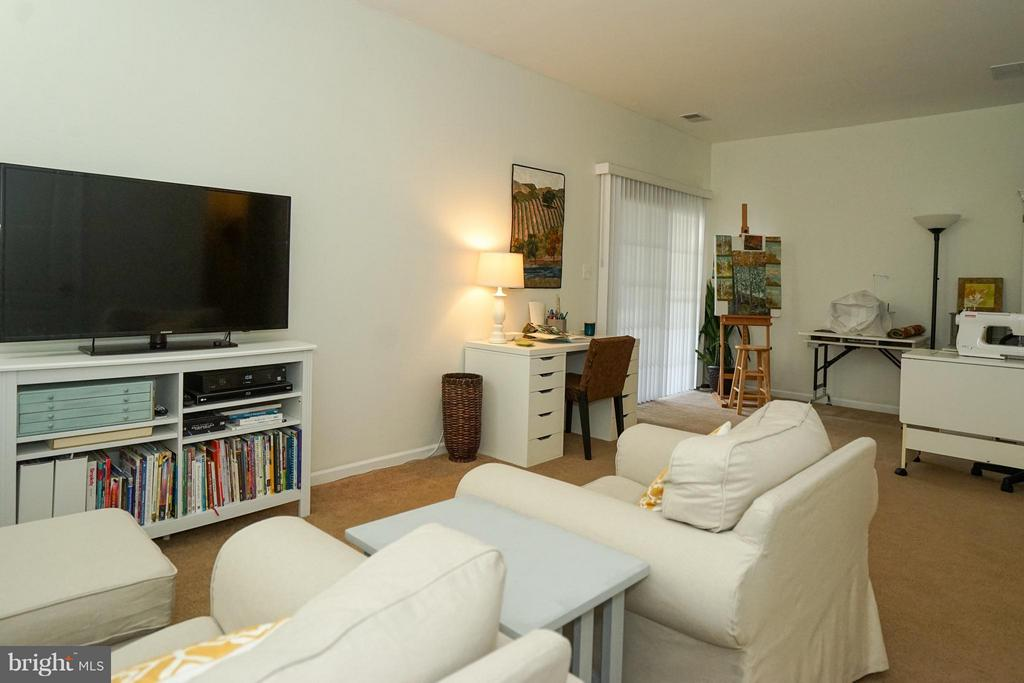 Lower level rec room/fully finished basement - 42919 SHELBOURNE SQ, CHANTILLY