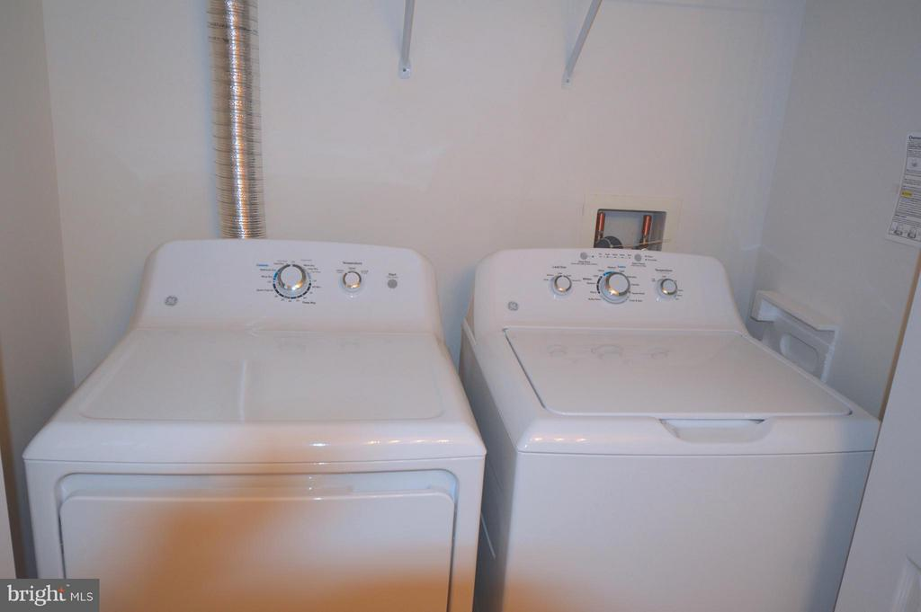 New washer and dryer in unit! - 20365 BELMONT PARK TER #104, ASHBURN