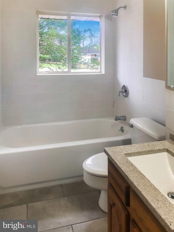 Main Level Full Bath, Fully Renovated - 7202 CATLETT ST, SPRINGFIELD