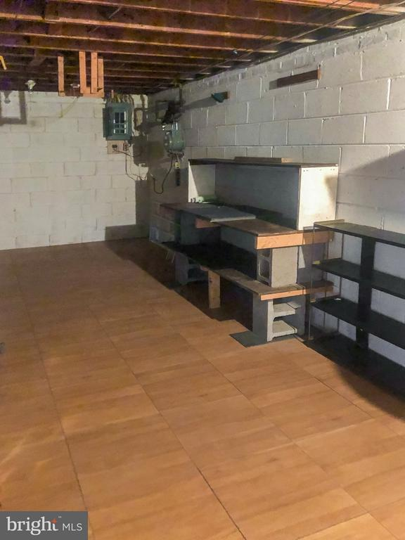 Storage/Utility and Workshop in Basement - 7202 CATLETT ST, SPRINGFIELD
