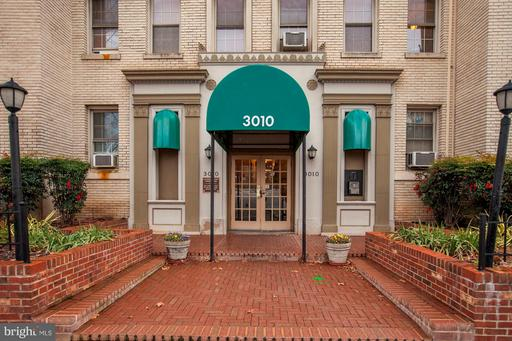 3010 WISCONSIN AVE NW #107