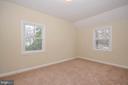 Upper level bedroom 1 - 7208 KENT TOWN DR, LANDOVER