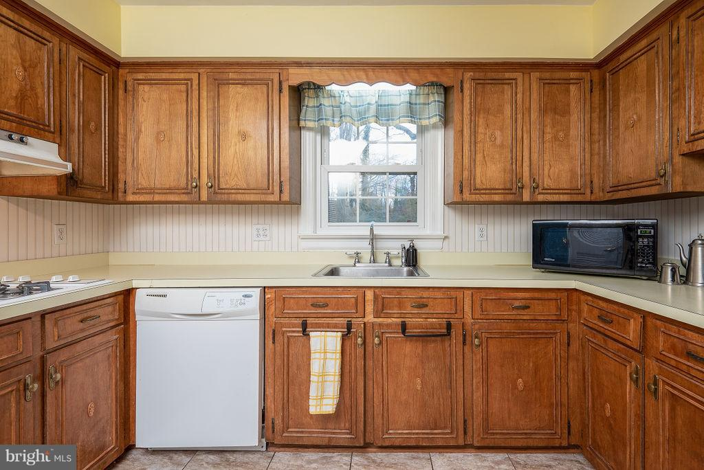 Kitchen - 6 WOODBERRY CT, FREDERICKSBURG