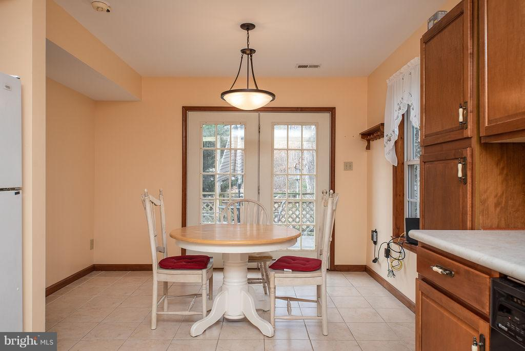 In-Law Suite/Apartment Dining Area - 6 WOODBERRY CT, FREDERICKSBURG