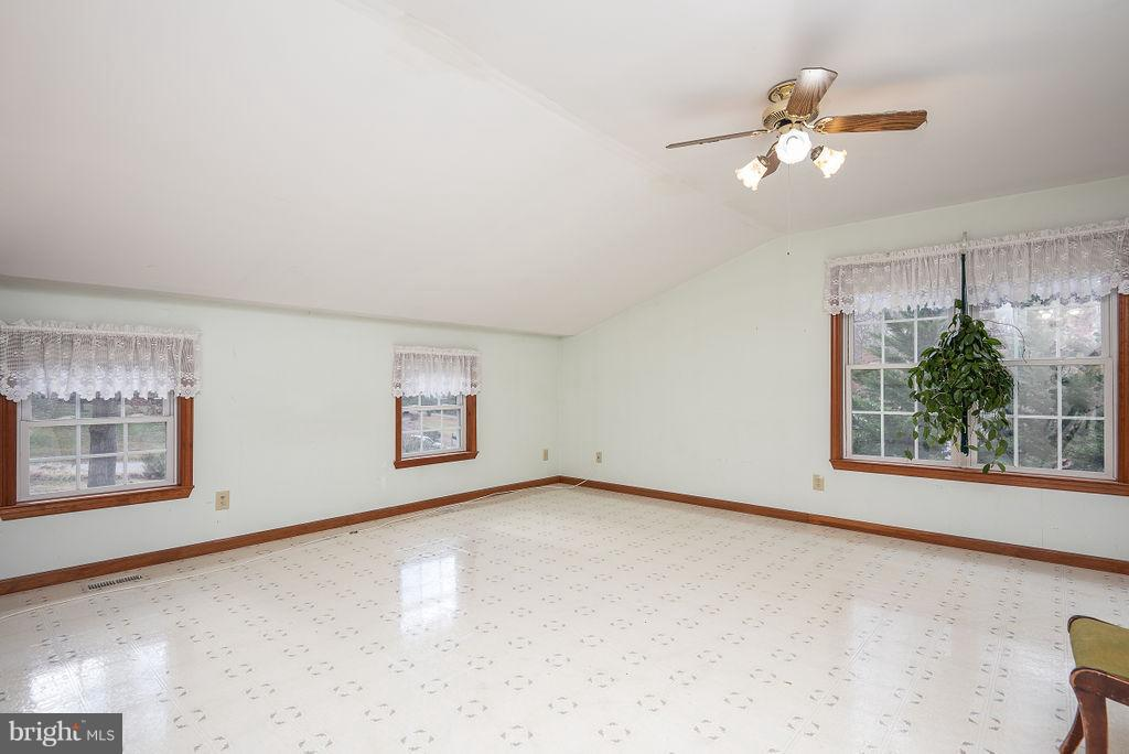 In-Law Suite/Apartment Bedroom - 6 WOODBERRY CT, FREDERICKSBURG