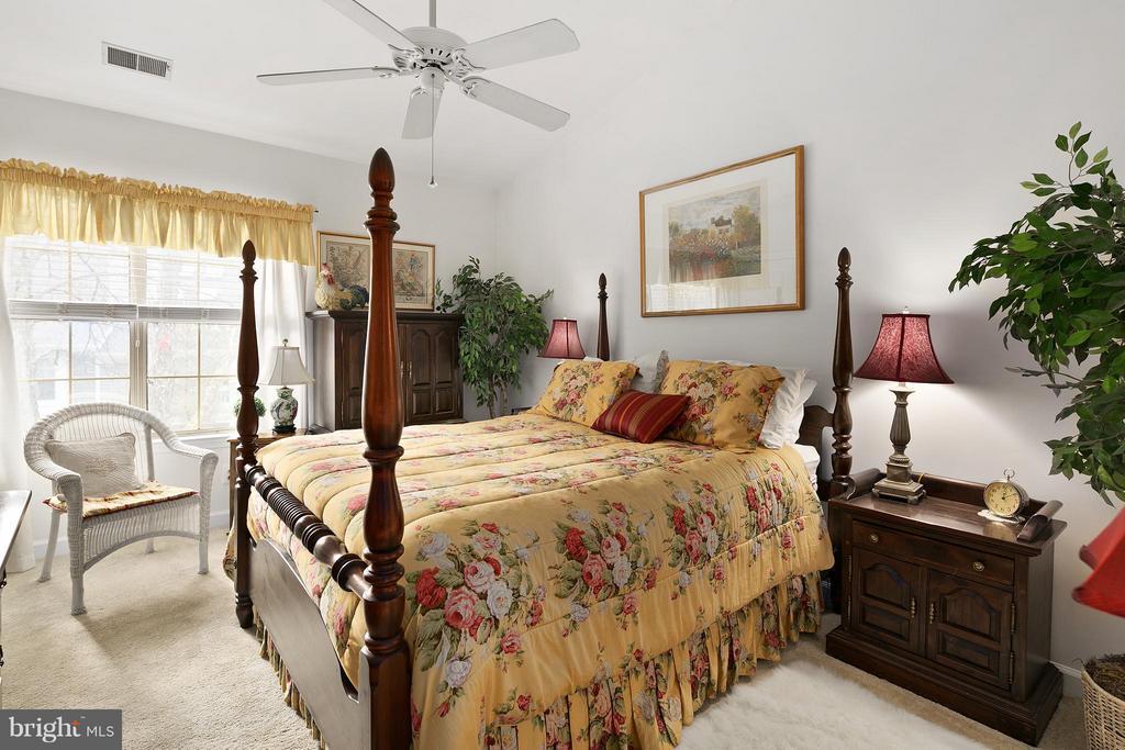 Master Bedroom Main Level - 10828 ANTIGUA TER #201, NORTH BETHESDA