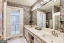 Master en suite opens to private deck - 23009 COBB HOUSE RD, MIDDLEBURG