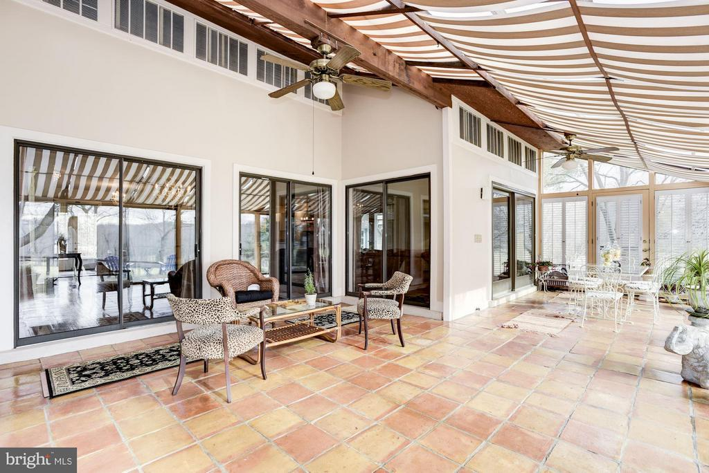 Heated and cooled great sunroom - 23009 COBB HOUSE RD, MIDDLEBURG