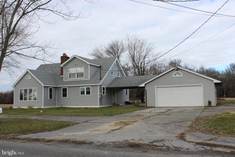 Maison unifamiliale pour l Vente à 164 QUAKER NECK Alloway, New Jersey 08001 États-UnisDans/Autour: Alloway