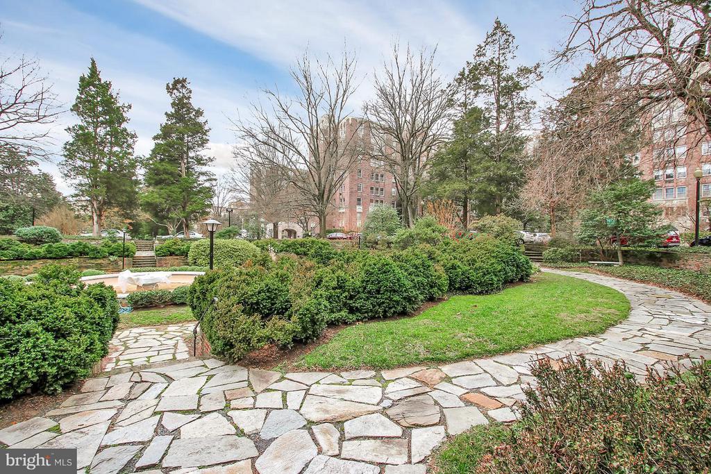 Community garden - 4000 CATHEDRAL AVE NW #704B, WASHINGTON