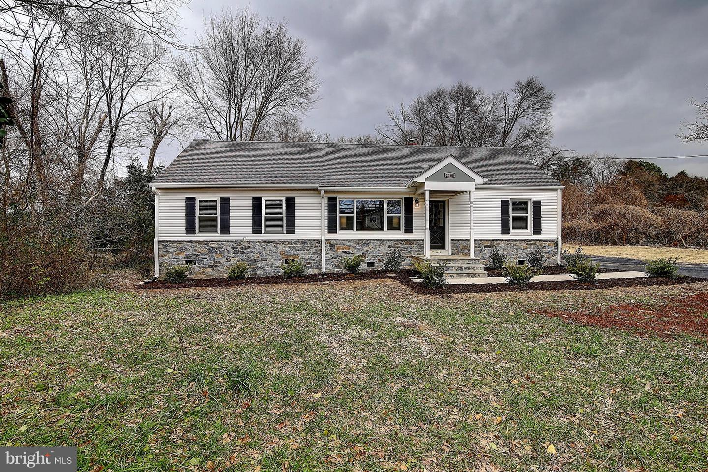 Additional photo for property listing at 2100 Elkin St 2100 Elkin St Alexandria, Virginia 22308 United States