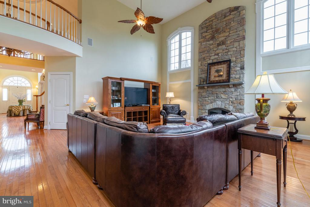 Two Story Family Room Filled with Light - 3013 ROSE CREEK CT, OAKTON