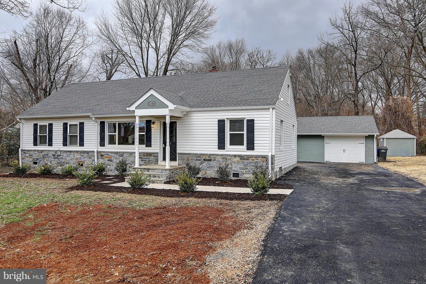 Single Family for Sale at 2100 Elkin St 2100 Elkin St Alexandria, Virginia 22308 United States