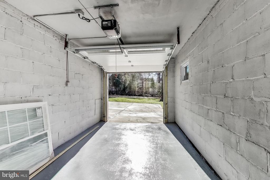 Garage - 4017 LONGFELLOW ST, HYATTSVILLE