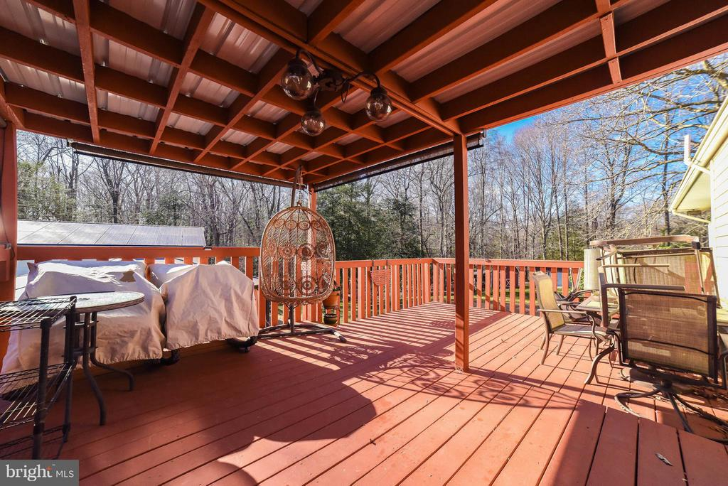 TWO LEVEL COVERED DECK - 13995 PETZOLD DR, WALDORF