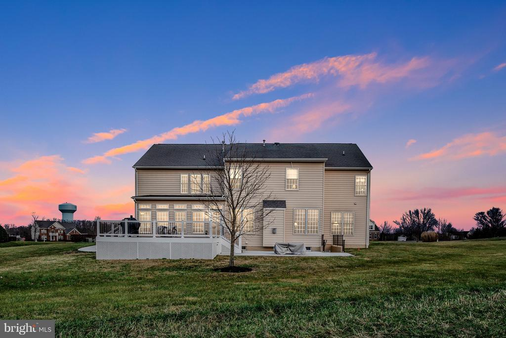 So much to love about this home! - 10 BOSTON CT, FREDERICKSBURG