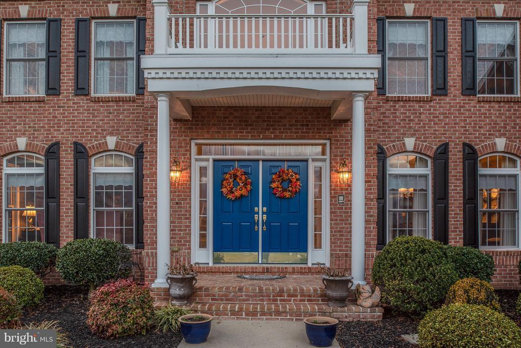 Brick Front Porch & Columns - 10 BOSTON CT, FREDERICKSBURG