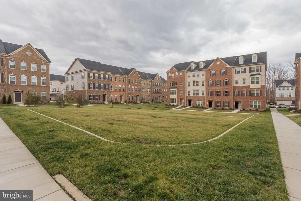 Beautiful Wentworth Green Condominiums - 7820 CULLODEN CREST LN, GAINESVILLE