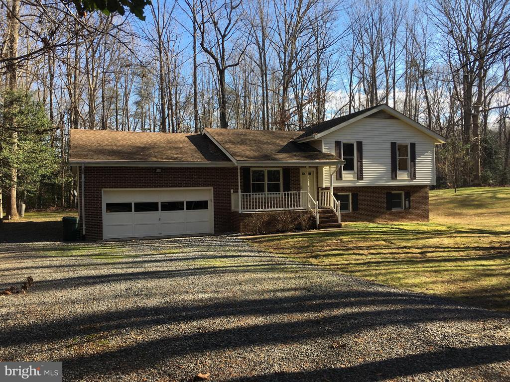 Private setting - partly wooded ! - 8427 BATTLE PARK DR, SPOTSYLVANIA