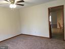 Neutral carpet in living room - 8427 BATTLE PARK DR, SPOTSYLVANIA