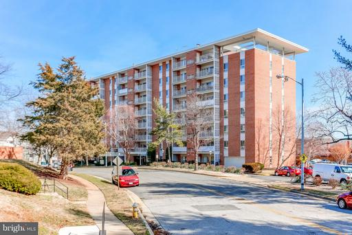 5250 VALLEY FORGE DR #201
