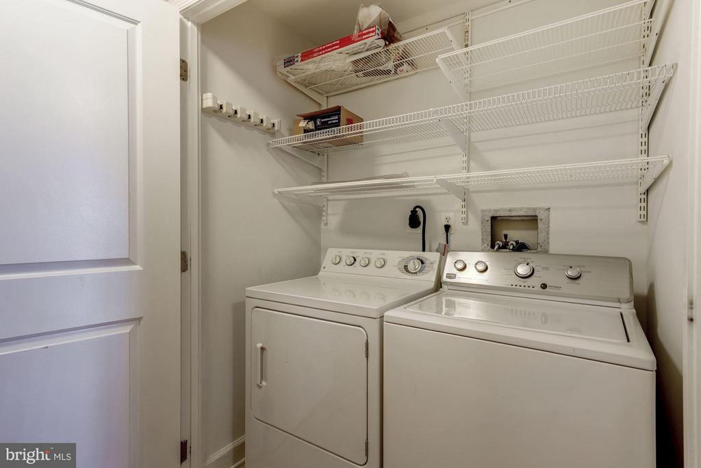 Washer & Dryer in the unit - 1000 N RANDOLPH ST #305, ARLINGTON