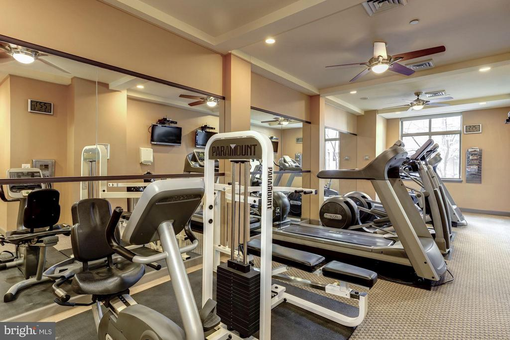 Fitness Room - 1000 N RANDOLPH ST #305, ARLINGTON