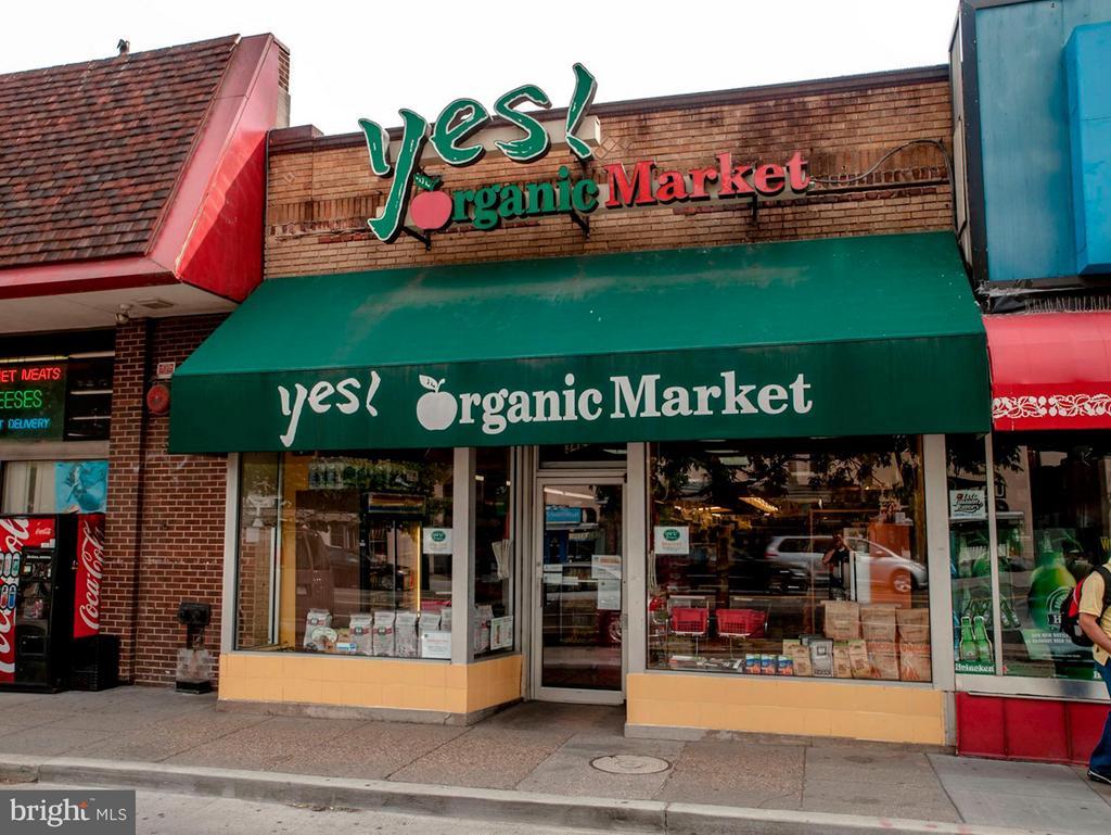 Shopping - 2755 ORDWAY ST NW #411, WASHINGTON