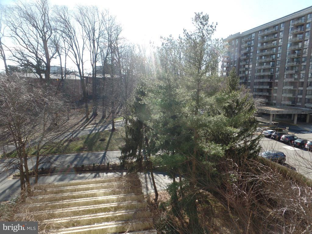 View - 1800 OLD MEADOW RD #618, MCLEAN
