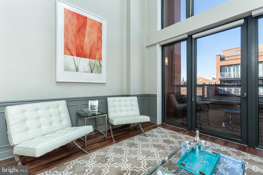 Sophisticated penthouse-style condo living! - 616 E ST NW #1150, WASHINGTON