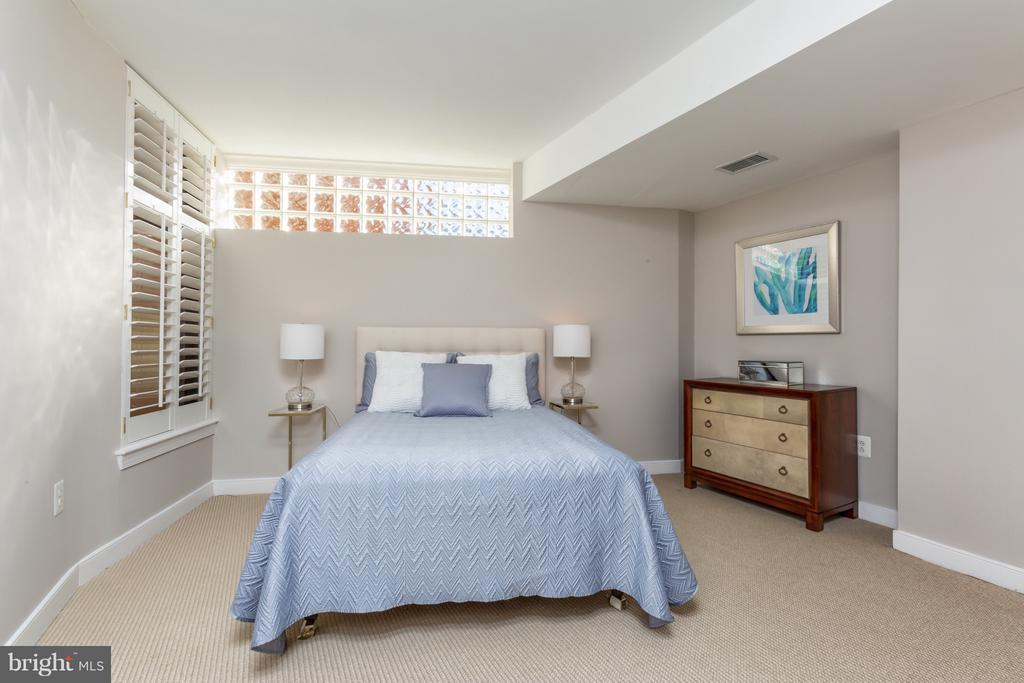 Second bedroom is flooded with natural light! - 616 E ST NW #1150, WASHINGTON