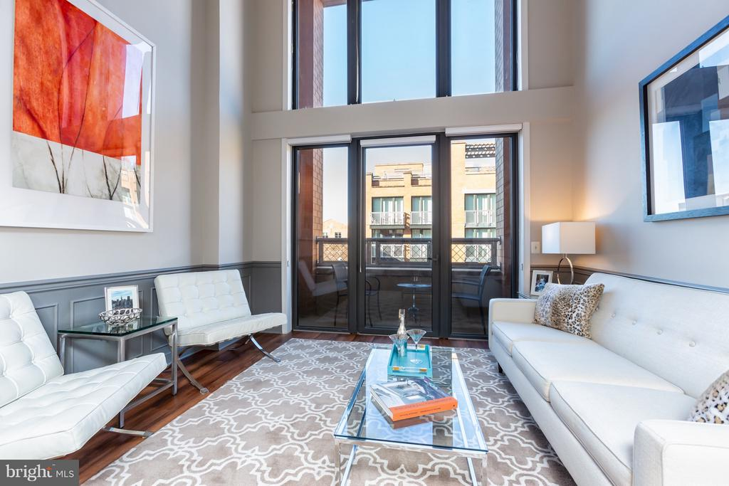 Two story floor-to-ceiling windows! - 616 E ST NW #1150, WASHINGTON