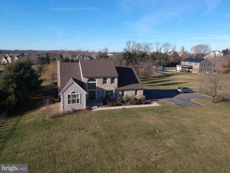 Частный односемейный дом для того Продажа на 122 JOCKEY HOLLOW RUN Swedesboro, Нью-Джерси 08085 Соединенные ШтатыВ/Около: Woolwich