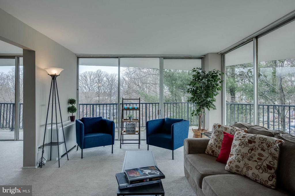 Wrap around views from the large living room. - 3333 W UNIVERSITY BLVD #511, KENSINGTON
