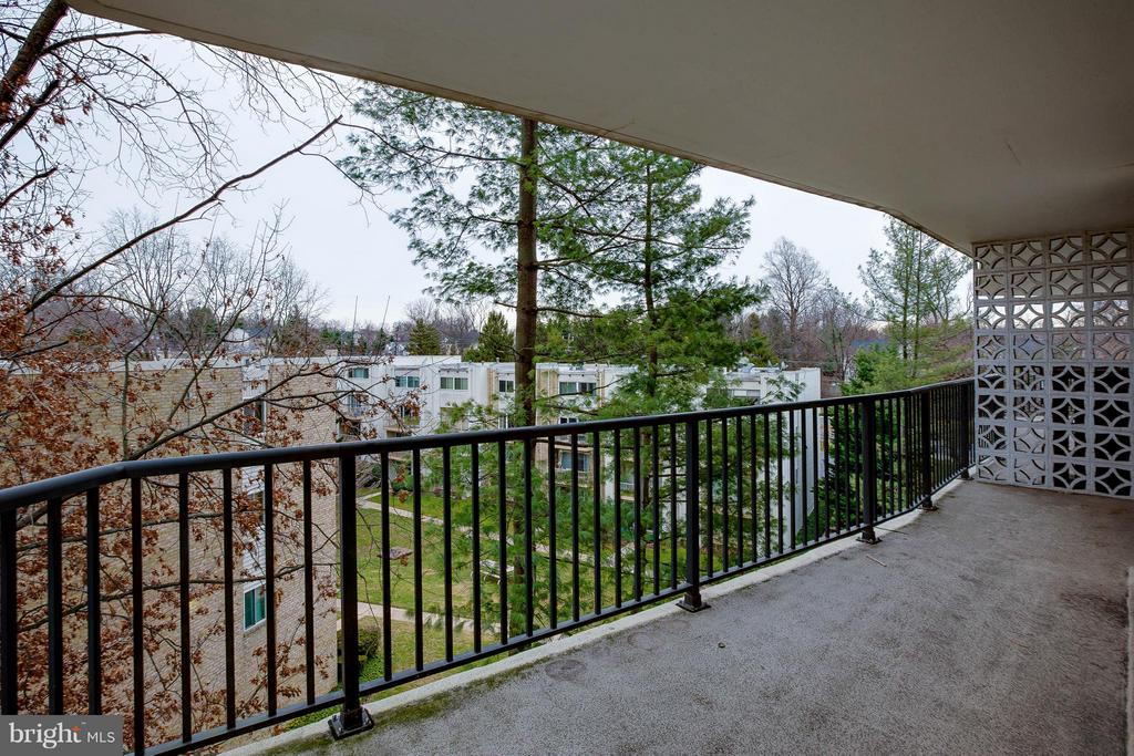 Private end of the balcony. - 3333 W UNIVERSITY BLVD #511, KENSINGTON