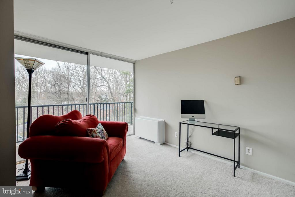 Den can be converted back to 3rd bedroom. - 3333 W UNIVERSITY BLVD #511, KENSINGTON