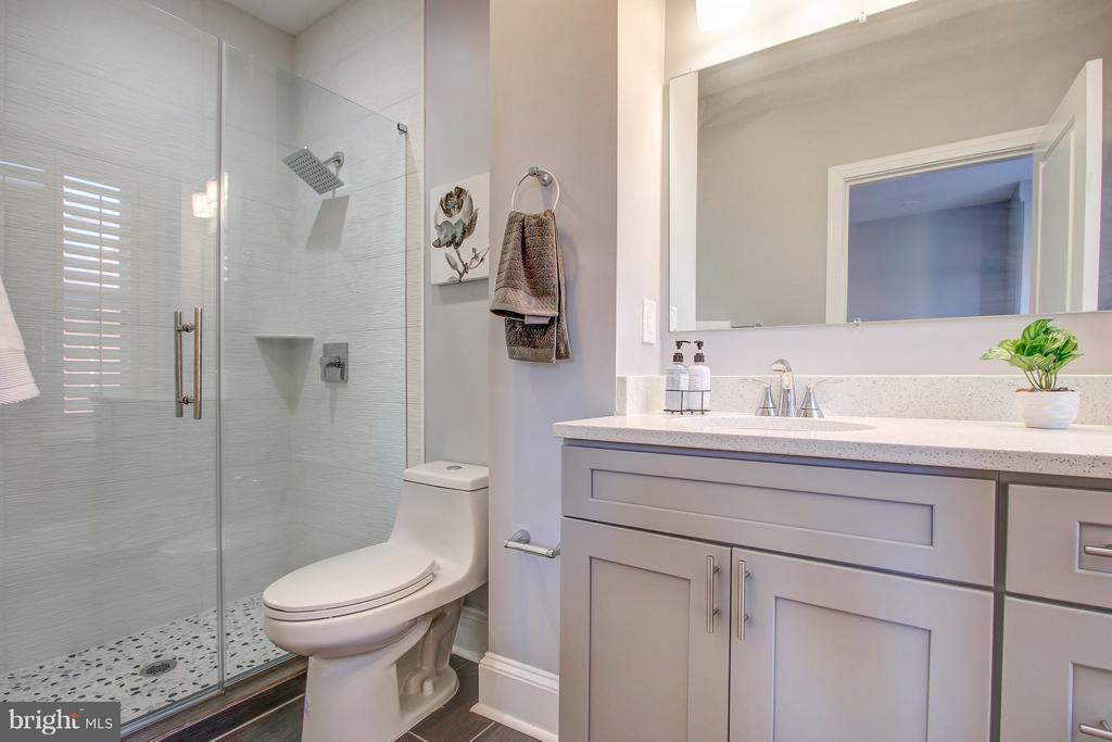 Finished Basement Bathroom - 948 WESTMINSTER ST NW, WASHINGTON