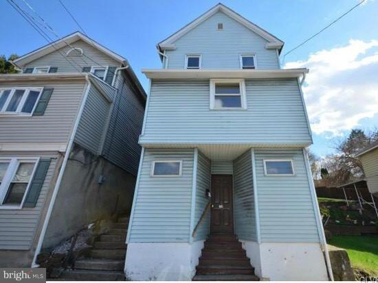 Photo of home for sale at 30 Chestnut W, Wilkes Barre PA