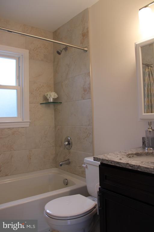 Main floor brand new bathroom w/Moen hardware - 5201 MOUNT VERNON MEMORIAL HWY, ALEXANDRIA