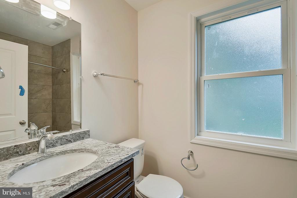Brand new upstairs hall bathroom - 5201 MOUNT VERNON MEMORIAL HWY, ALEXANDRIA