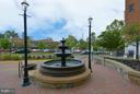 Beautiful fountain - 10328 SAGER AVE #113, FAIRFAX