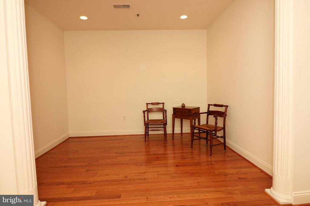 Den or second bedroom - 10328 SAGER AVE #113, FAIRFAX