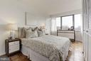 Bedroom with oversized windows - 1301 DELAWARE AVE SW #N-518, WASHINGTON