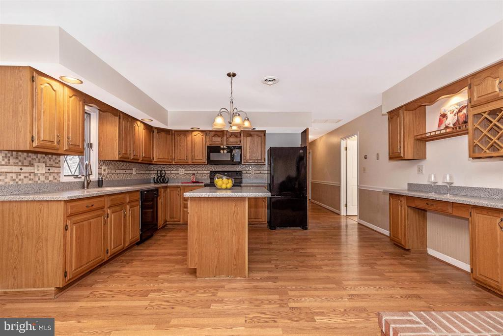 Kitchen - 12492 HOWARD LODGE DR, SYKESVILLE