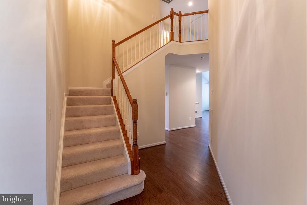 Foyer - 13044 TRIPLE CROWN LOOP, GAINESVILLE
