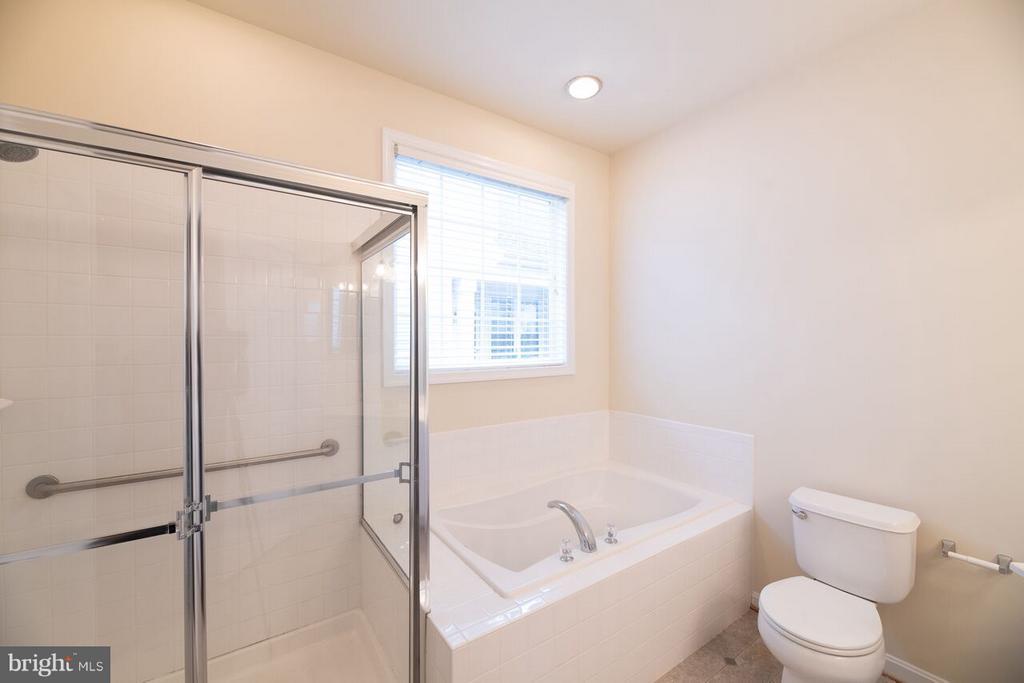 Master Bath - 13044 TRIPLE CROWN LOOP, GAINESVILLE