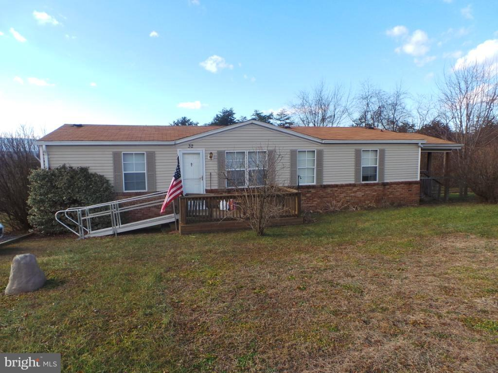 Single Family for Sale at 32 Musketeer Lane Berkeley Springs, West Virginia 25411 United States